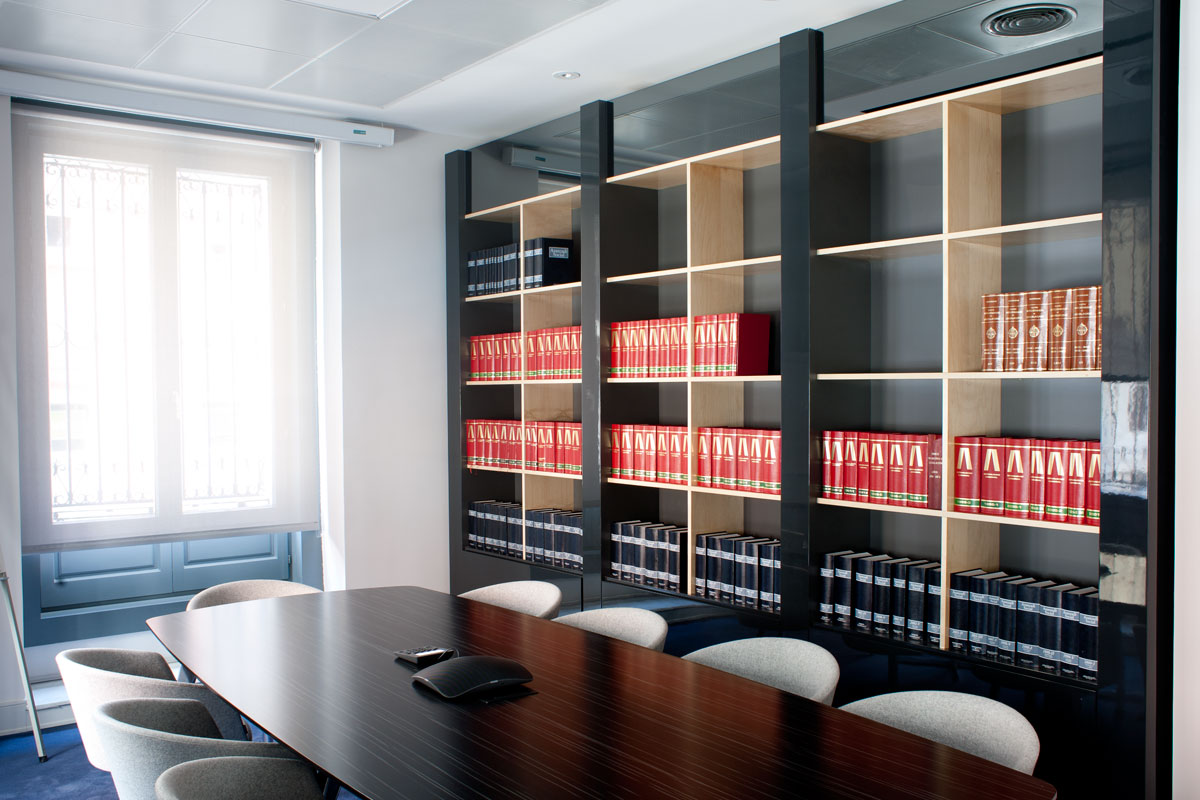 Oficinas sagardoy madrid in design for Oficinas envialia madrid