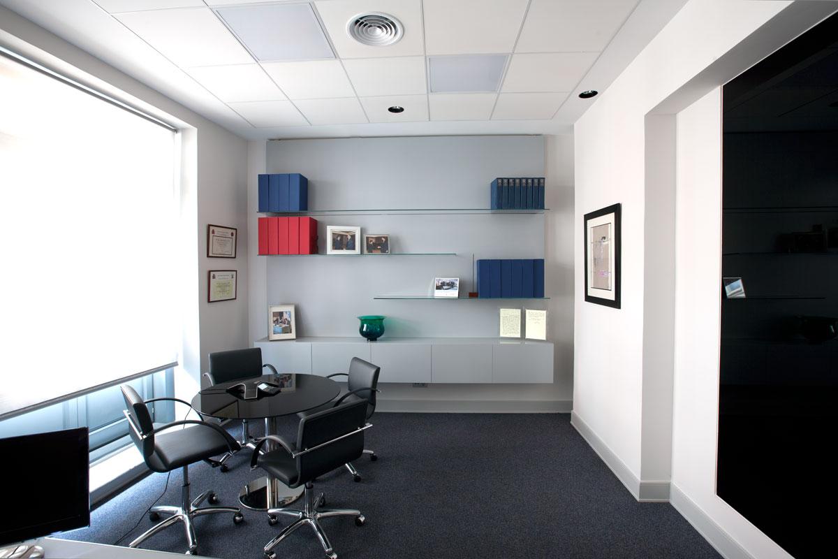 Oficinas sagardoy madrid in design for Oficinas empadronamiento madrid